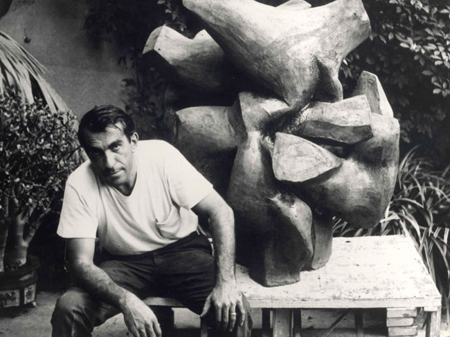 peter-voulkos_pasadena-museum-of-art_1958-henry_takemoto-copy